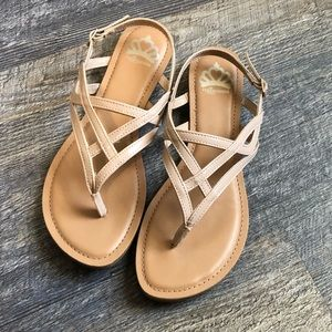 Fergalicious Snazzy Too nude sandal